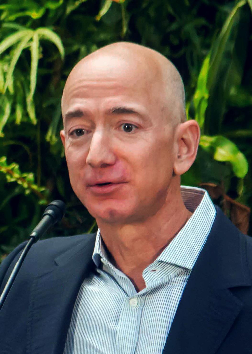 Amazon: Jeff Bezos lascia il posto di CEO