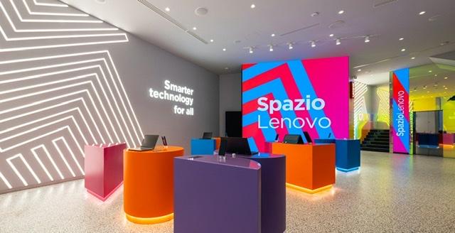 Lenovo inaugura a Milano il suo primo concept store in Europa