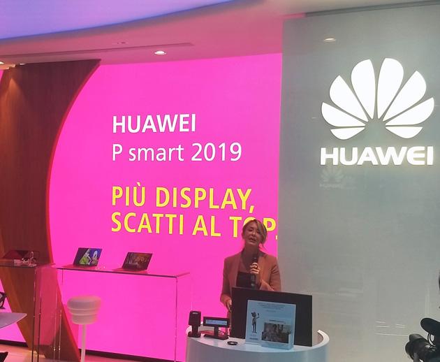 P Smart 2019, Huawei punta sui giovani
