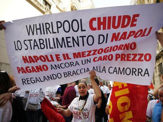 Whirlpool dice addio a Napoli