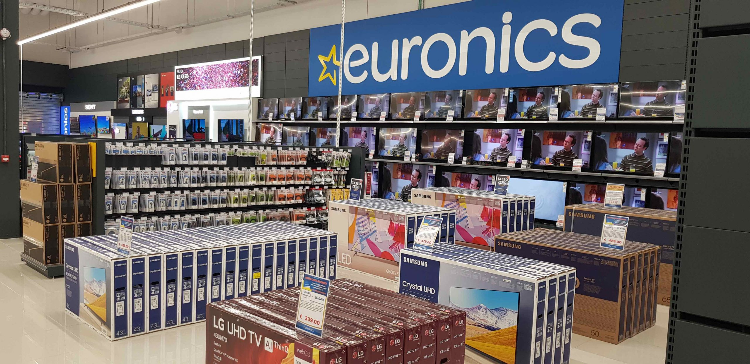 Euronics Nova: apre il negozio di via Solari
