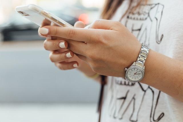 Smartphone: aumenta il mercato online