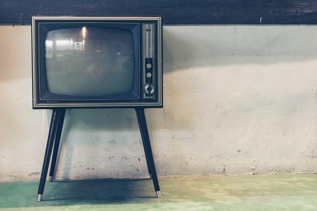 Allarme industria tv: lo switch-off va rinviato