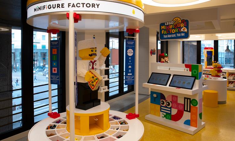 Si rinnova il Lego Certified Store di Milano San Babila